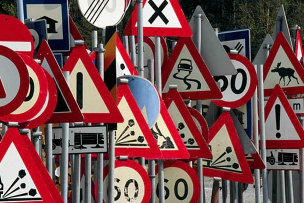 How to read italian Road Signs